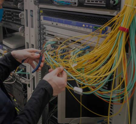 Nätverksinstallationer, nätverkstekniker, installera nätverk i fastighet, installera fiber hemma, installera bredband hemma